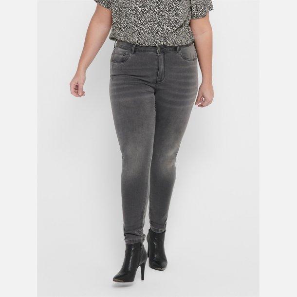 Only Carmakoma Jeans.