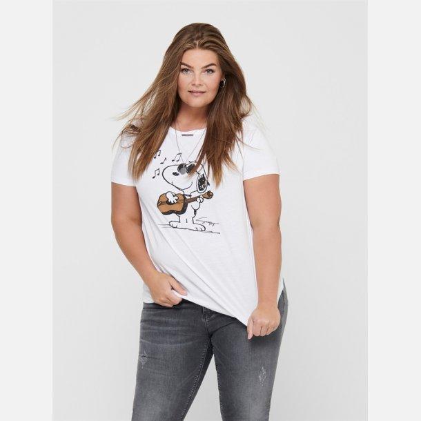 Only Carmakoma T-shirt.